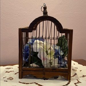 Beautiful Wood & Wire Birdcage w/Hydrangeas